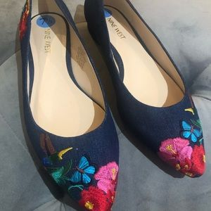 Nine West Navy Floral Flats